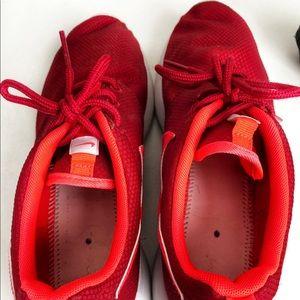 Nike Shoes - NIKE Rosherun Sneakers
